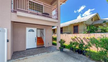 1207 16th Ave Honolulu - Rental - photo 2 of 22