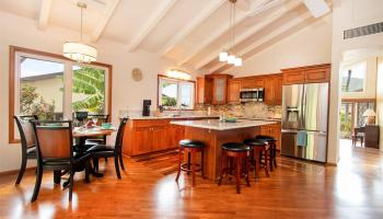 1169  Mokuhano Street Kalama Valley, Honolulu home - photo 0 of 21