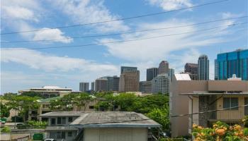 Lusitana Gardens condo # 401, Honolulu, Hawaii - photo 1 of 25