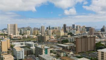 Makiki Plaza condo # 1702, Honolulu, Hawaii - photo 1 of 22
