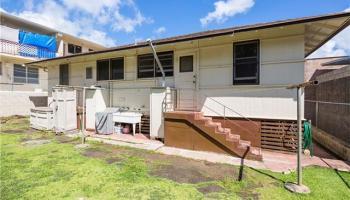 1612  Aupuni St Kamehameha Heights, Honolulu home - photo 2 of 14