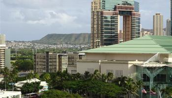 Kapiolani Manor condo # 1407, Honolulu, Hawaii - photo 1 of 17
