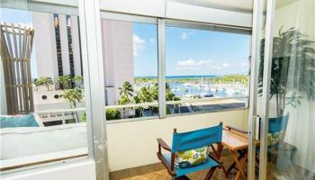 Harbor View Plaza condo # 701, Honolulu, Hawaii - photo 1 of 15