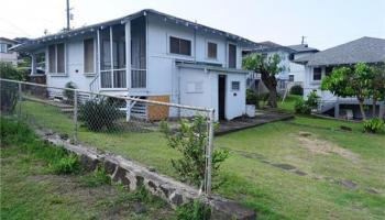 1718  Aupuni St Kamehameha Heights, Honolulu home - photo 4 of 10
