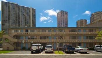 Hawaiiana Gardens condo # 202, Honolulu, Hawaii - photo 2 of 13