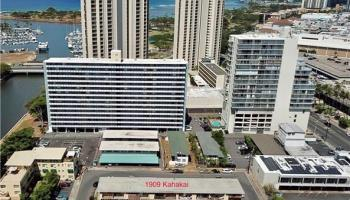 2467 Cleghorn Street Honolulu - Multi-family - photo 1 of 23