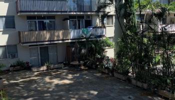 University Court Apts condo # 404, Honolulu, Hawaii - photo 2 of 20