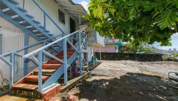 2017  Iholena Street Alewa Heights, Honolulu home - photo 3 of 17