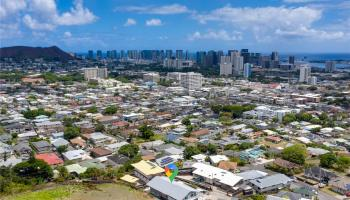 2017  Iholena Street Alewa Heights, Honolulu home - photo 4 of 25