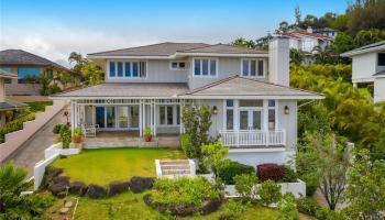 2218  Piimauna Street Waialae Iki, Diamond Head home - photo 1 of 25