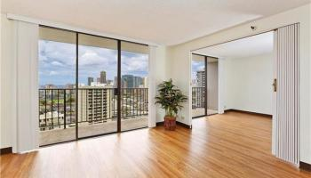 Parkside Tower condo #2201, Honolulu, Hawaii - photo 4 of 14