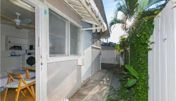 2341  Bingham St Moiliili, Honolulu home - photo 8 of 22