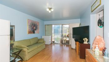 Terrace Towers condo # 1005, Honolulu, Hawaii - photo 1 of 21