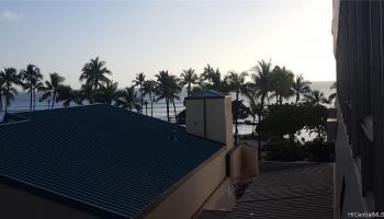 Seashore condo # 42, Honolulu, Hawaii - photo 1 of 25