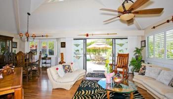 300  Kealahou St Laulima, Hawaii Kai home - photo 2 of 20
