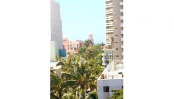 Seaside Suites condo # 905, Honolulu, Hawaii - photo 1 of 12
