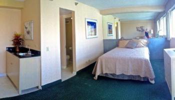 Aloha Surf Hotel condo # 1204, Honolulu, Hawaii - photo 4 of 17