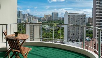 Villa On Eaton Square condo # 115, Honolulu, Hawaii - photo 1 of 4