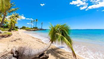 Kahala Beach condo #405, Honolulu, Hawaii - photo 2 of 25