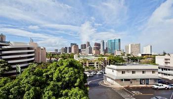Miller Terrace condo #302, Honolulu, Hawaii - photo 5 of 19