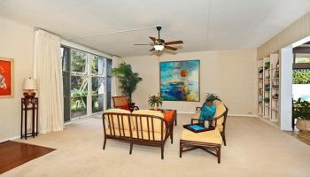 5240  Papai Street Aina Haina Area, Diamond Head home - photo 5 of 19