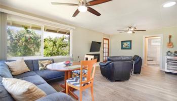 558  Hooulu Street Coconut Grove, Kailua home - photo 4 of 25