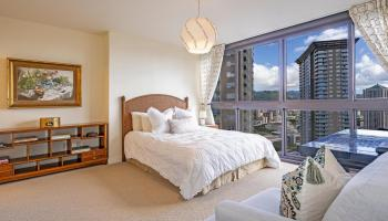 Keola Lai condo # 3201, Honolulu, Hawaii - photo 1 of 16