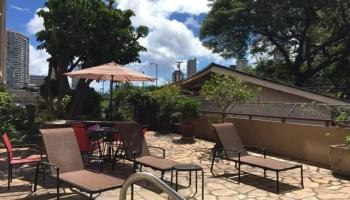 Ala Wai Manor condo # 306, Honolulu, Hawaii - photo 3 of 12