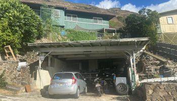 664  Aipuni Street Aina Haina Area, Diamond Head home - photo 2 of 9