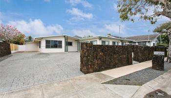 684  Keolu Drive Enchanted Lake, Kailua home - photo 1 of 22