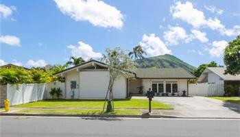 6872  Niumalu Loop Mariners Cove, Hawaii Kai home - photo 1 of 14