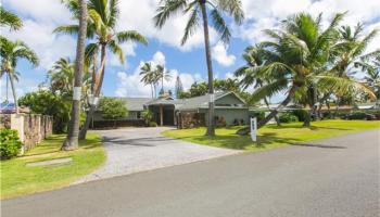 689  Milokai St Kaimalino, Kailua home - photo 3 of 25