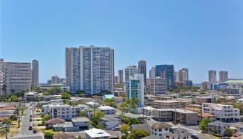 Terrace Apts condo # 4, Honolulu, Hawaii - photo 1 of 11
