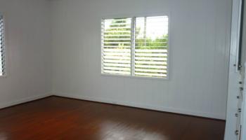 79  Makaweo Ave Wahiawa Area, Central home - photo 4 of 10