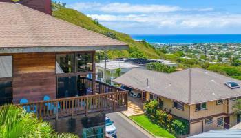 811  Ekoa Place Aina Haina Area, Diamond Head home - photo 3 of 25