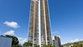 Franklin Towers condo # 37B, Honolulu, Hawaii - photo 1 of 16