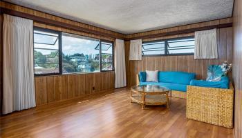 99-570  Hoio Street Aiea Heights, PearlCity home - photo 4 of 25